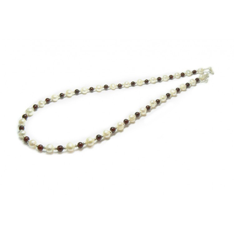 garnet and pearl beaded necklace